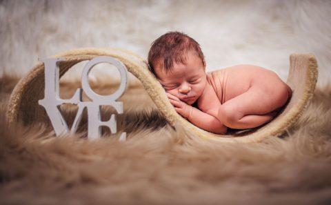 fotos-fotograf-baby-babyfotograf-neugeborenes-newborn-hildesheim-hannover-wolfsburg-braunschweig-salzgitter-ps-sd-20160827-0386